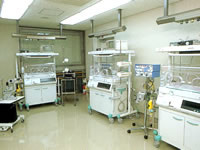 新生児集中治療管理室・人工換気装置付き(NICU)